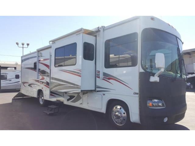 CMH 36' Forest River GTown w/ Garage